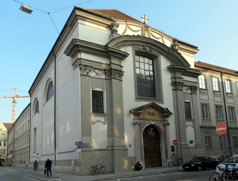 Damenstiftskirche St. Anna, München image
